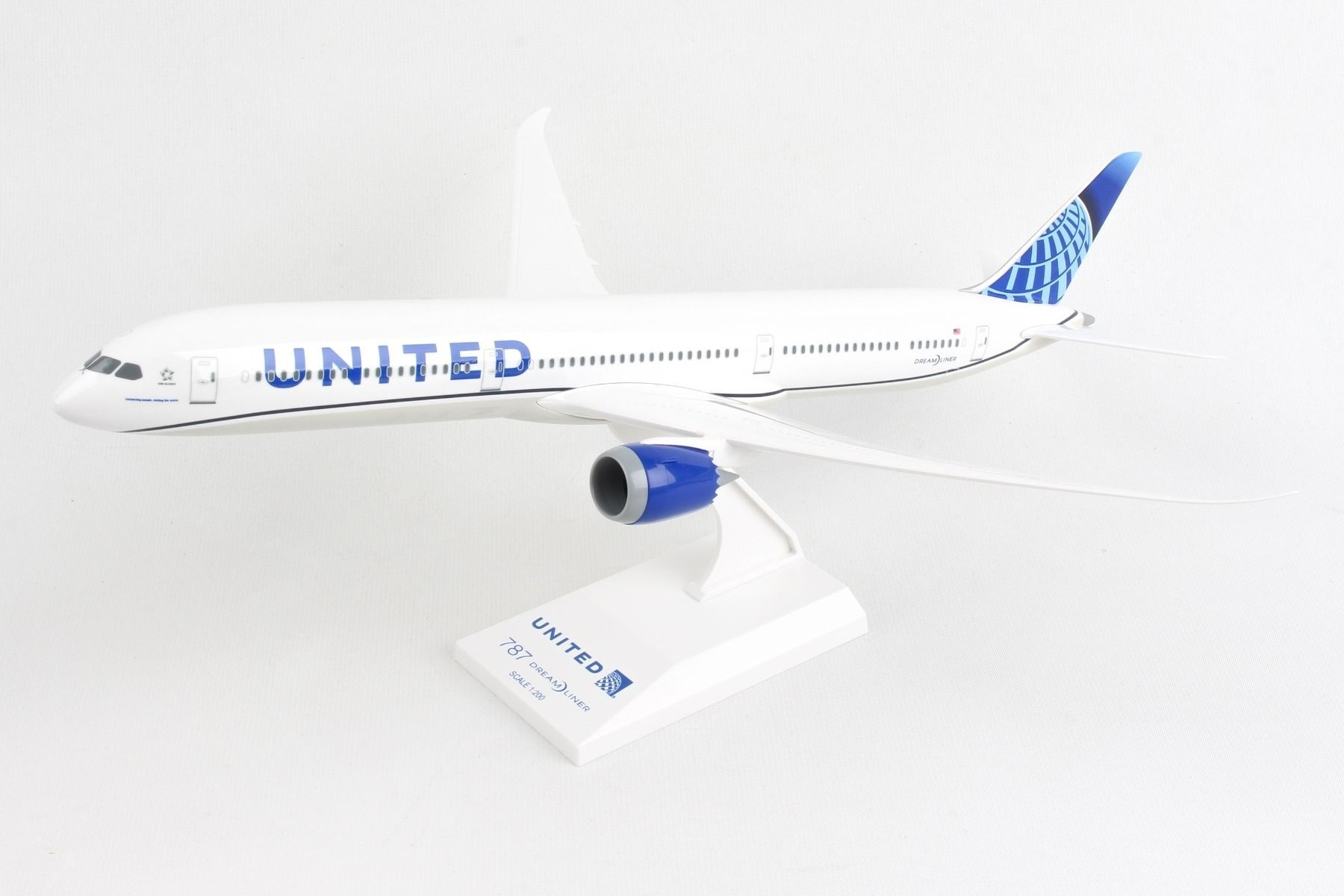 SKYMARKS UNITED 787-10 NEW LIVERY